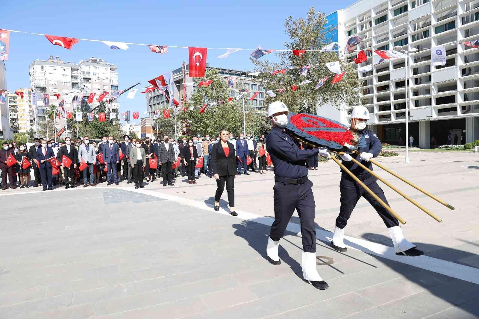 Büyükşehir'de Cumhuriyet Bayramı töreni